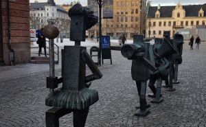 A statue celebration